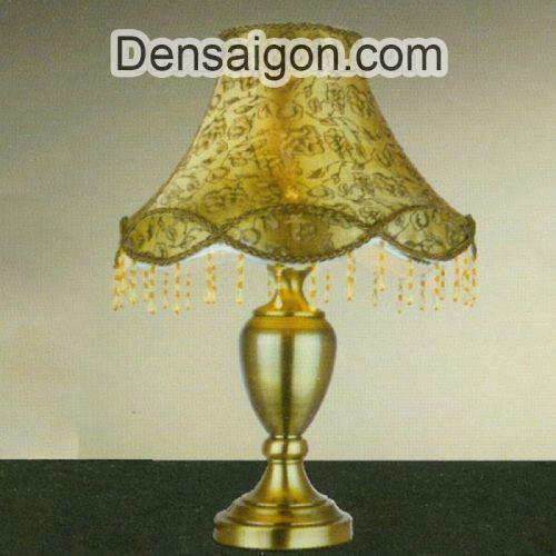 Đèn Ngủ Để Bàn Gỗ Phong Cách Hoàng Gia - Densaigon.com