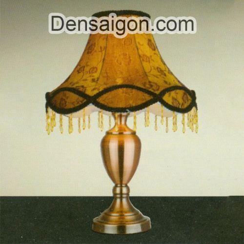Đèn Ngủ Để Bàn Gỗ Thiết Kế Lạ Mắt - Densaigon.com