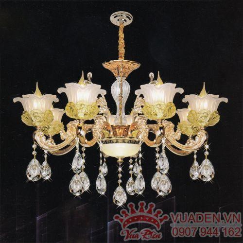Đèn chùm pha lê kiểu dáng đẹp trang trí phòng khách - Densaigon.com