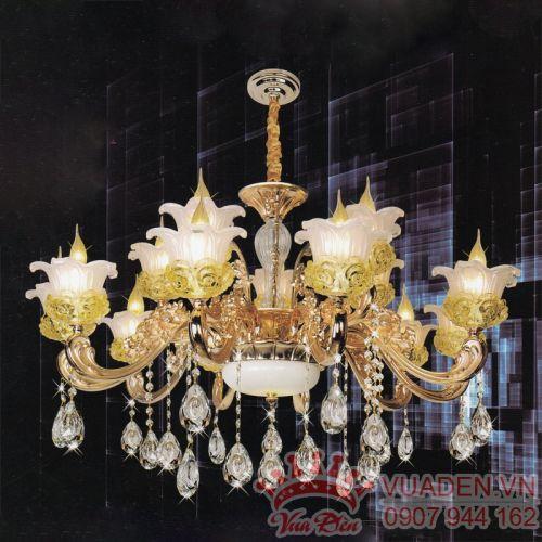 Đèn chùm pha lê kiểu dáng đẹp trang trí phòng khách lớn - Densaigon.com