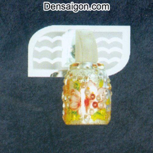 Đèn Soi Gương Màu Vàng Trẻ Trung - Densaigon.com